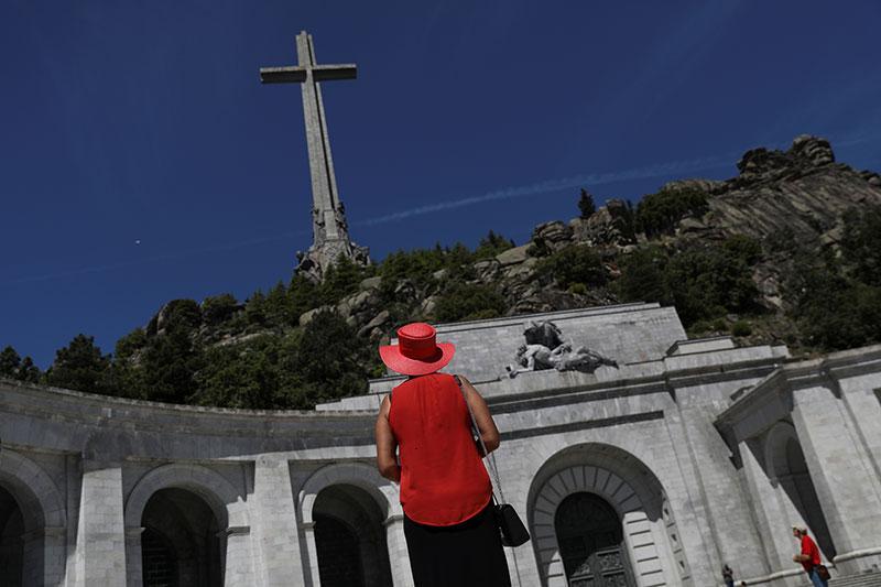 Exhumar a Franco, enterrar el franquismo